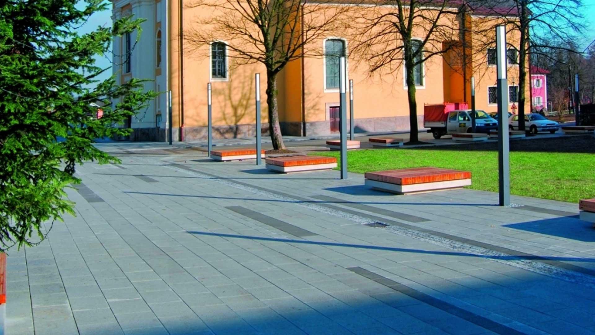 Leier Centrum natúr burkolólap -antracit